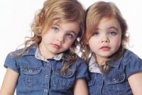 Twin__sisters